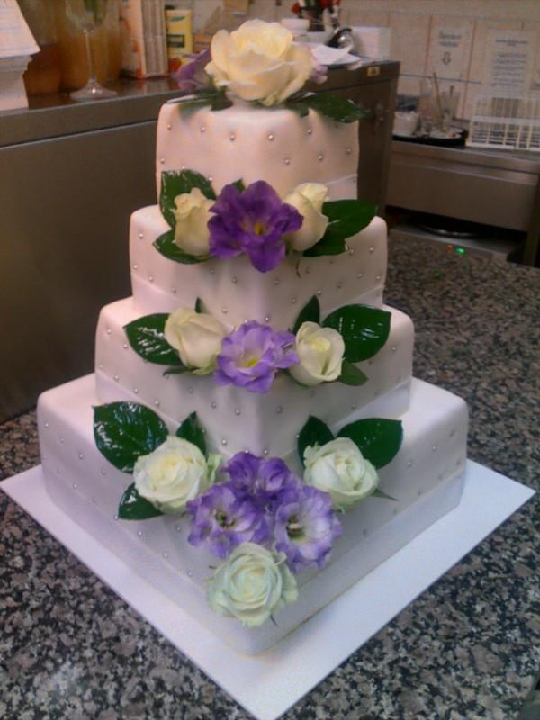 Čtyřpatrový dort č.80